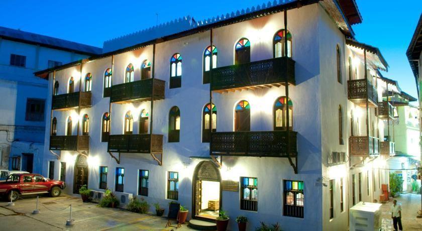 forodhani gardens hotel zanzibar