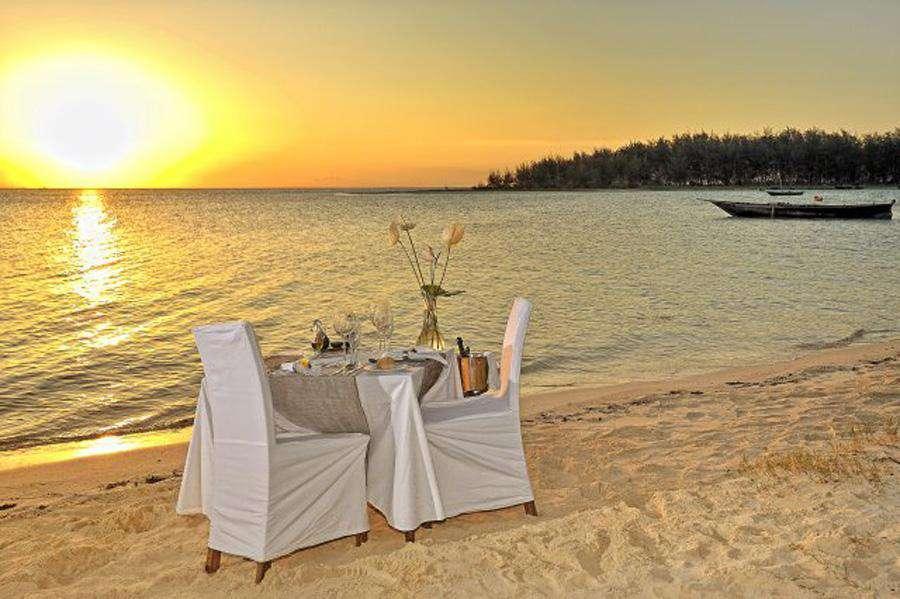 Wedding and honeymoon in Africa